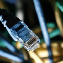 پاکستان میں انٹرنیٹ میں خلل ڈالنے والی خراب آبدوز کیبل کی مرمت کی گئی: پی ٹی اے